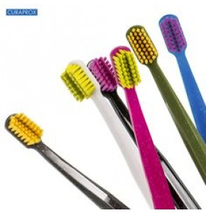 CURAPROX ORTHO | קורפרוקס אורתו מברשת שיניים רכה במיוחד לגשר אורתודונטי