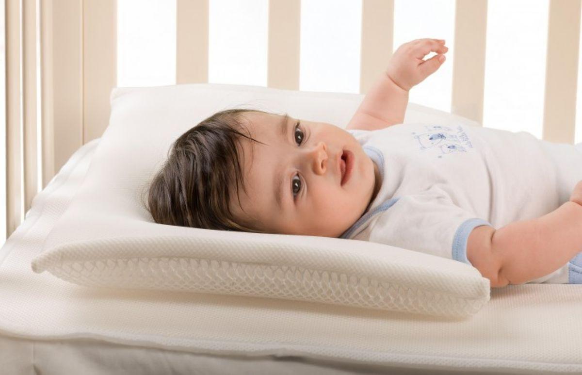 כרית במבנה תלת מימדי למיטת תינוק Nuvita